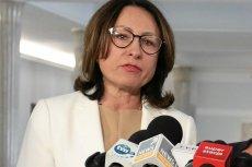 Posłanka PO z Suwałk, Bożena Kamińska. To jej wiceminister Jarosław Zieliński nie chciał podać ręki.