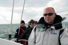 Kapitan Roman Paszke podczas przygotowań do próby bicia rekordu świata