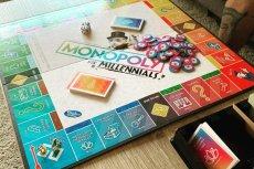 Monopoly dla Millenialsów punktuje życie pokolenia. Niektórych bawi, innych bulwersuje