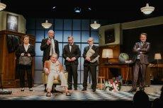 """""""Ucho prezesa, czyli scheda"""" to dobra satyra polityczna, którą zobaczymy w Teatrze 6 piętro w Warszawie"""