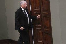 Prezes PiS szuka senatorów, którzy w sprawie uchylenia immunitetu Stanisławowi Kogutowi głosowali niezgodnie z poleceniem partii.