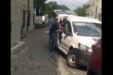 Kinga Gajewska z PO nagrała ekipę TVP z mandatem za szybą auta.