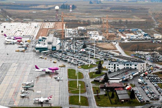 Lotnisko  Gdańsku im. Lecha Wałęsy. Jeszcze.