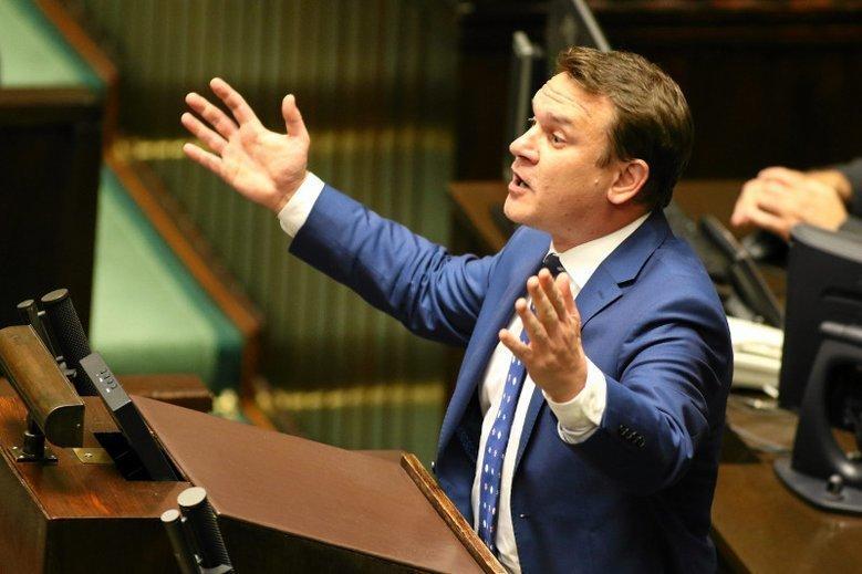 Dominik Tarczyński za sprawą jednej wypowiedzi stał się ulubieńcem szwedzkich nacjonalistów.