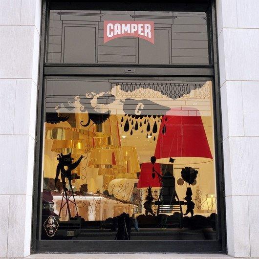 okno wystawowe mediolańskiego butiku Camper, proj. Jaime Hayon