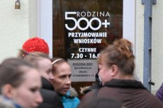 """""""Zlikwidujemy program Rodzina 500+"""" – zapowiada poseł opozycji Witold Zembaczyński z Nowoczesnej."""