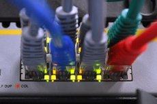 Istnieje szereg opcji, dzięki którym możemy rozwiązać problem niedziałającego internetu.