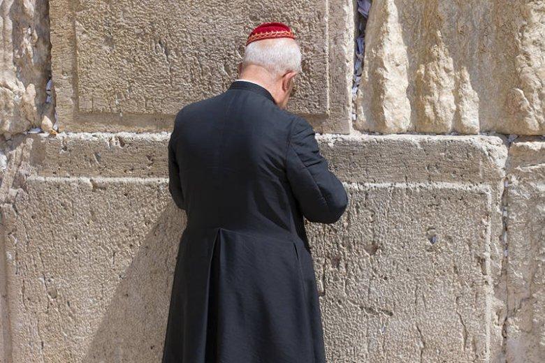 Wielu polskich księży grzeszy antysemityzmem