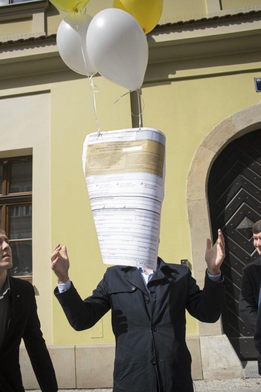 """Do tej pory w """"antypodatkowych"""" protestach specjalizowały się ugrupowania związane z Januszem Korwin-Mikke. Teraz rządowe pomysłu oburzyły  """"samozatrudnionych"""" niezależnie od ich poglądów politycznych"""