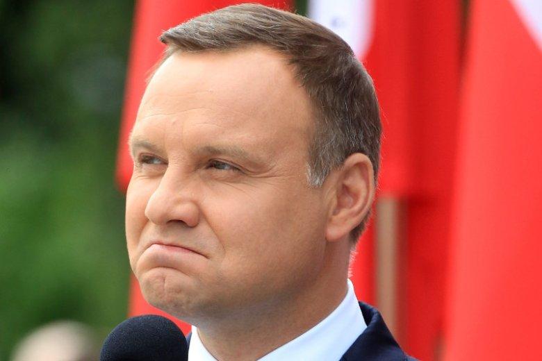 Andrzej Duda zachwycił swoich fanów. Nie, wciąż nie zaprzysiągł sędziów TK, ale za to szuka zaginionego misia