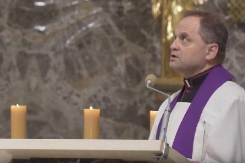 Ksiądz Wacław Madej z parafii na warszawskim Kamionku twierdzi, że dzieci pochodzące z in vitro nie mają duszy. Takich nauk udziela rodzicom, których dzieci przyszły na świat właśnie metodą in vitro.