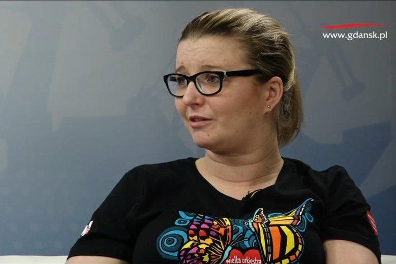 Patrycja Krzymińska w geście solidarności z Aleksandrą Dulkiewicz pomachała do kamery Biedronki.