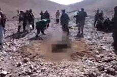 Talibowie dokonują egzekucji na kontrolowanych przez siebie terenach