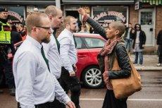 Szwedka stanęła naprzeciw 300 neonazistom.