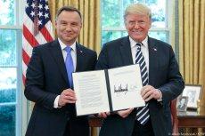 Prezydent dostał w prezencie od Trumpa długopis. Wykpił to Roman Giertych.