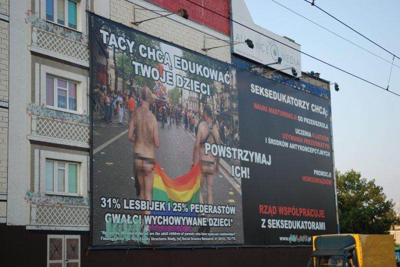 Skandaliczny banner przy Rondzie Śródka