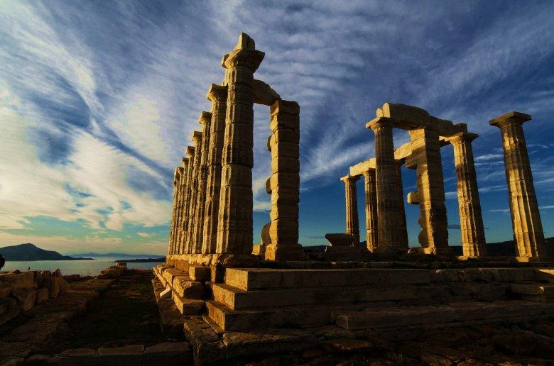 Zwiedzanie Attyki to gratka dla miłośników archeologii.