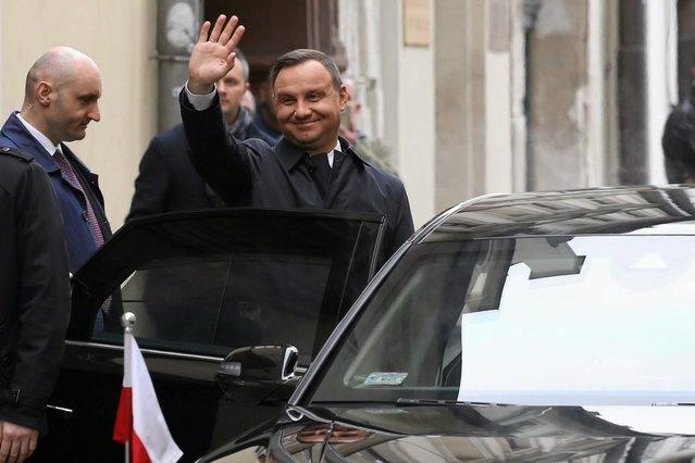 Prezydent Andrzej Duda ma silniejszą pozycję po dwóch wetach - wynika z sondażu IBRiS