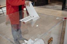 W obwodowej komisji wyborczej nr 5 w Słupsku doszło do błędów przy liczeniu głosów w wyborach do Senatu. Sprawa trafiła do prokuratury.