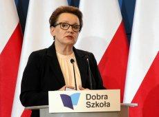Minister Anna Zalewska zignorowała opinie ekspertów i zrealizowała obietnice wyborcze PiS