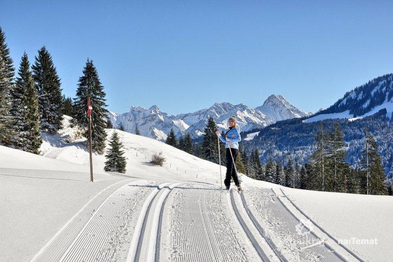 Na nartach biegowych w Kleinwalsertal w Austrii