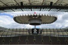 Dach na Stadionie Narodowym w czasie otwierania.