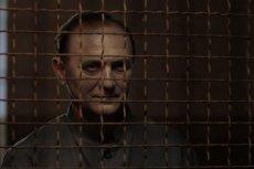 """Władysław Mazurkiewicz, zwany """"Pięknym Władkiem'' i ''Eleganckim mordercą'', to jeden z najbardziej niesławnych seryjnych zabójców w powojennej Polsce. Mordował kierowany żądzą zysku. W filmie ''Ach, śpij kochanie'' wcielił się w niego Andrzej Chyra"""