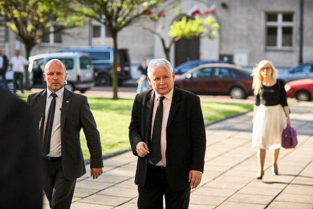 Gdy w Senacie trwały błyskawiczne prace nad ustawą o Sądzie Najwyższym, a w całym kraju odbywały się protesty w obronie sądów, Jarosław Kaczyński był w Krakowie.