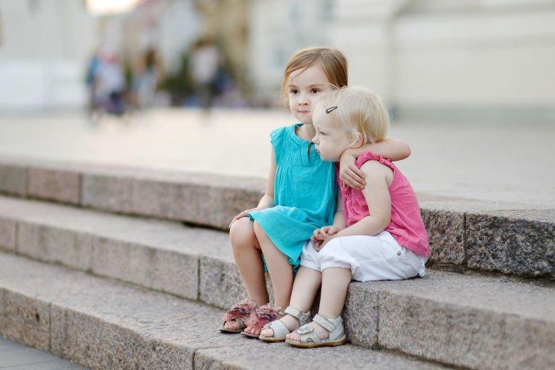 Dla dzieci dotyk jest czymś najnaturalniejszym pod słońcem.