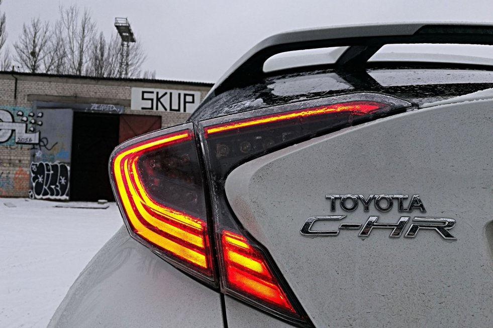 Toyota C-HR to aktualnie niepodrabialny crossover.