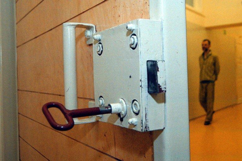 Rzecznik Praw Obywatelskich bada zasadność wieloletnich pobytów w zakładach zamkniętych osób skierowanych tam przez sąd. Na zdjęciu szpital psychiatryczny w Gorzowie.