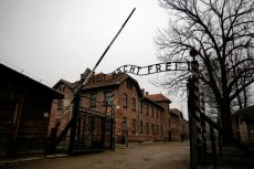 """Ustawa o IPN spopularyzowała hasło """"polskie obozy śmierci"""" na całym świecie."""