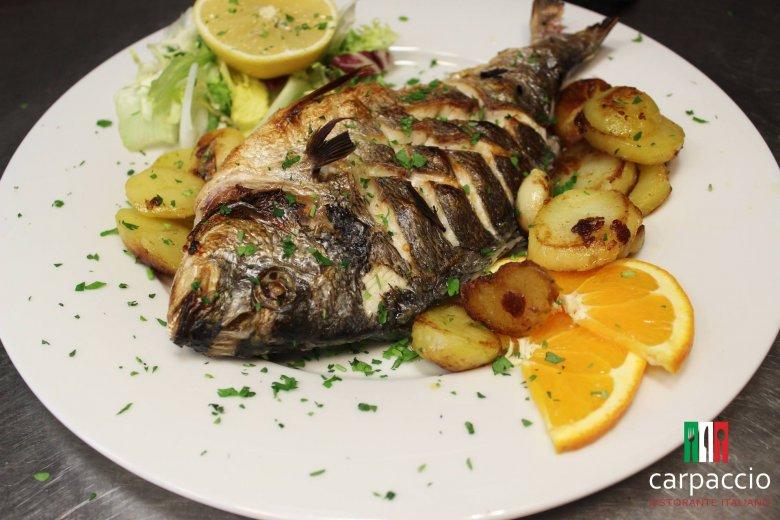 """Ryby nie są pierwszym, co przychodzi nam do głowy na hasło """"kuchnia włoska""""."""