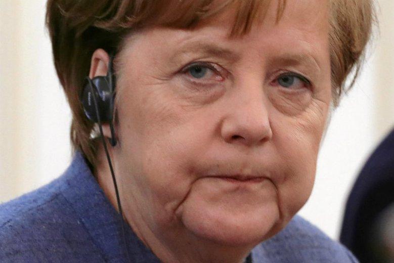 Angela Merkel zmaga się z niepokojącymi objawami. Nie wiadomo, na co choruje kanclerz Niemiec.