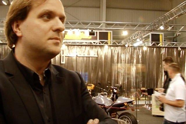 Mikołaj Sibora  odbudował Junaka na podzespołach z chińskich fabryk. Chce jednak wznowić produkcję motocykli  w Polsce