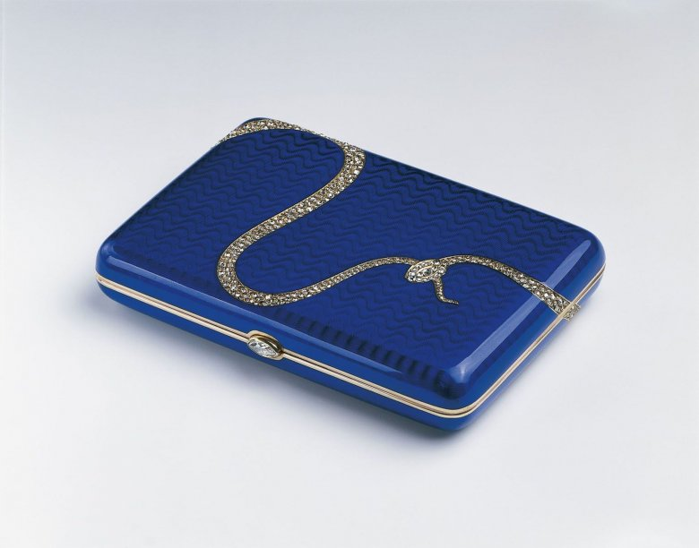 Papierośnica z diamentowym wężem. Faberge.