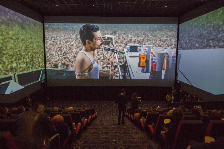 Format ScreenX poszerza pole widzenia - możemy wsiąknąć w sam środek akcji... lub koncertu