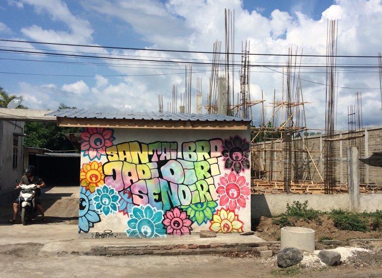 Graffiti w Bangsal (Lombok) - autor Bujangan Urban.