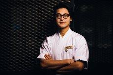 Alon Thon urodził się w Japonii, ale od lat mieszka i pracuje w Polsce. W 2015 został mistrzem świata w sushi