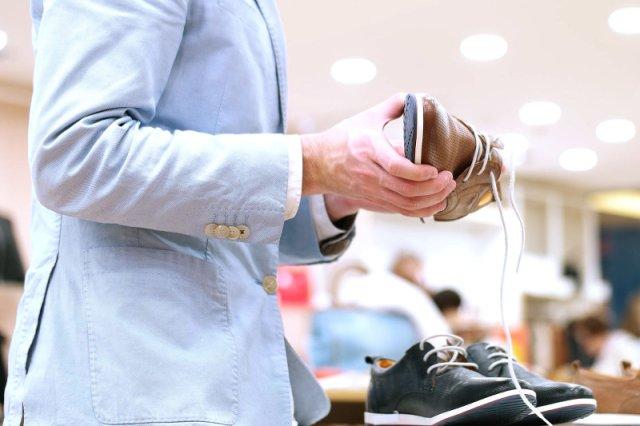 Musisz kupić większe buty? Pierścionki zrobiły się za małe? Jak najszybciej idź do endokrynologa.