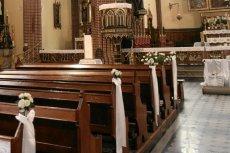 3,5 letni chłopiec nadział się na wystający z ławki haczyk w kościele w Poznaniu przy ul. Strzeleckiej.