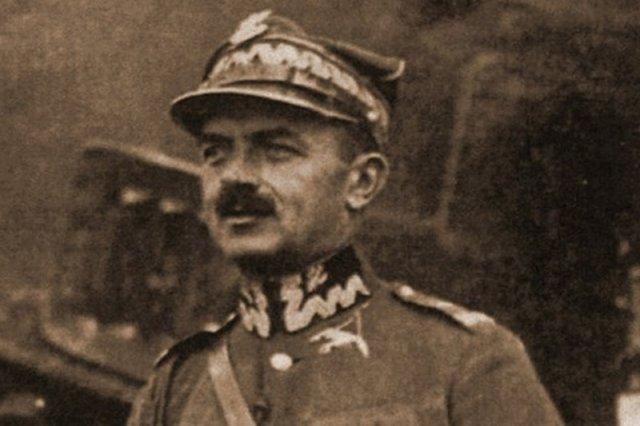 Gen. Włodzimierz Zagórski - dla jednych bohater, dla drugich zdrajca.