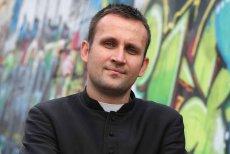 Ksiądz Jakub Bartczak odprawił mszę żałobną za zmarłego rapera - Tomasza Chadę.