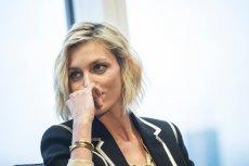 """Anja Rubik także pojawiła się w programie TVP """"Alarm"""", gdzie sugerowano, że wiele znanych osób (w tym Monika Jaruzelska czy Monika Olejnik) są zamieszane w reprywatyzacje miejskich kamienic."""