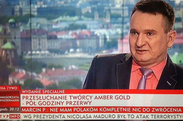 """Roman Mańka, to jeden z najczęściej zapraszanych ekspertów TVP Info, bo poza """"właściwymi"""" poglądami """"zna się"""" niemal na wszystkim"""