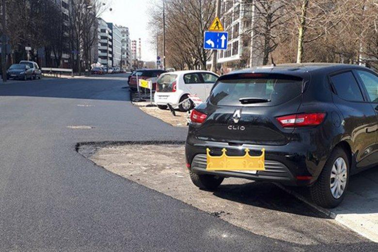 Nie, to nie jest mem po przeróbce. Tak wyglądają efekty remontu ulicy Jana Kazimierza w Warszawie.