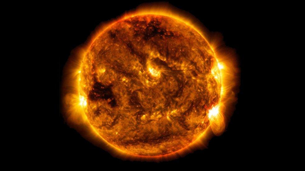 Niemal w całym kraju upały. Dlaczego słońce tak grzeje?