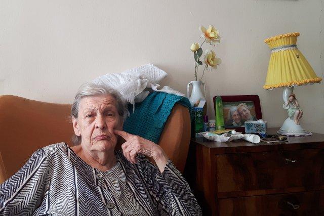Pani Sabina Rzeczkowska może mówić o szczęściu. Dzięki sąsiadowi nie musi się martwić o to, czy po opłaceniu rachunku za prąd będzie miała za co kupić jedzenie.