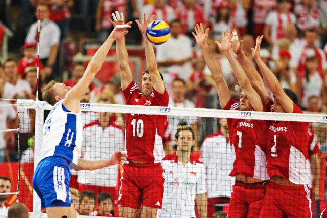 Polacy awansowali do półfinału mistrzostw świata w siatkówce po wygranej z Rosją 3:2 w pięciu setach.