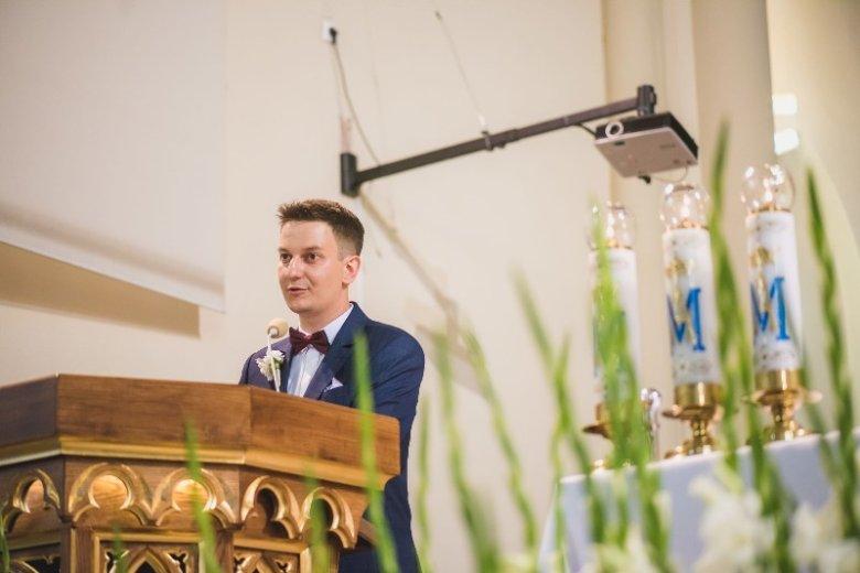 Łukasz oprawą liturgiczną ślubów zajmuje się pięć lat